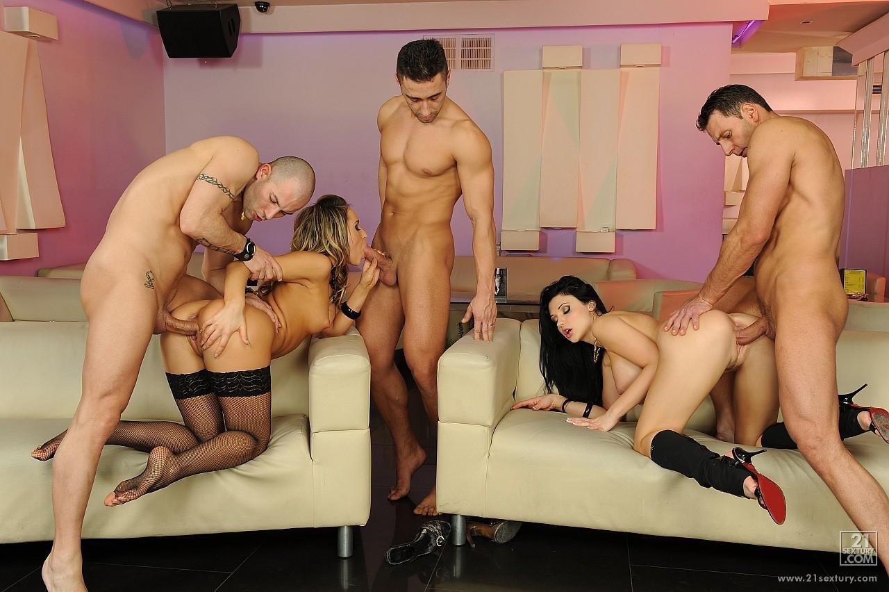 Смотреть секс с стриптизершой 3 фотография