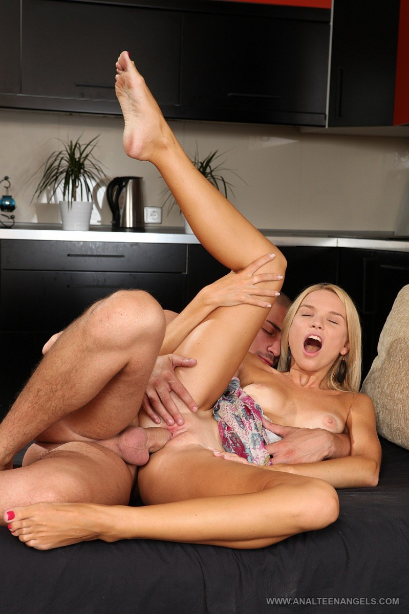 Hot big breasted solo women