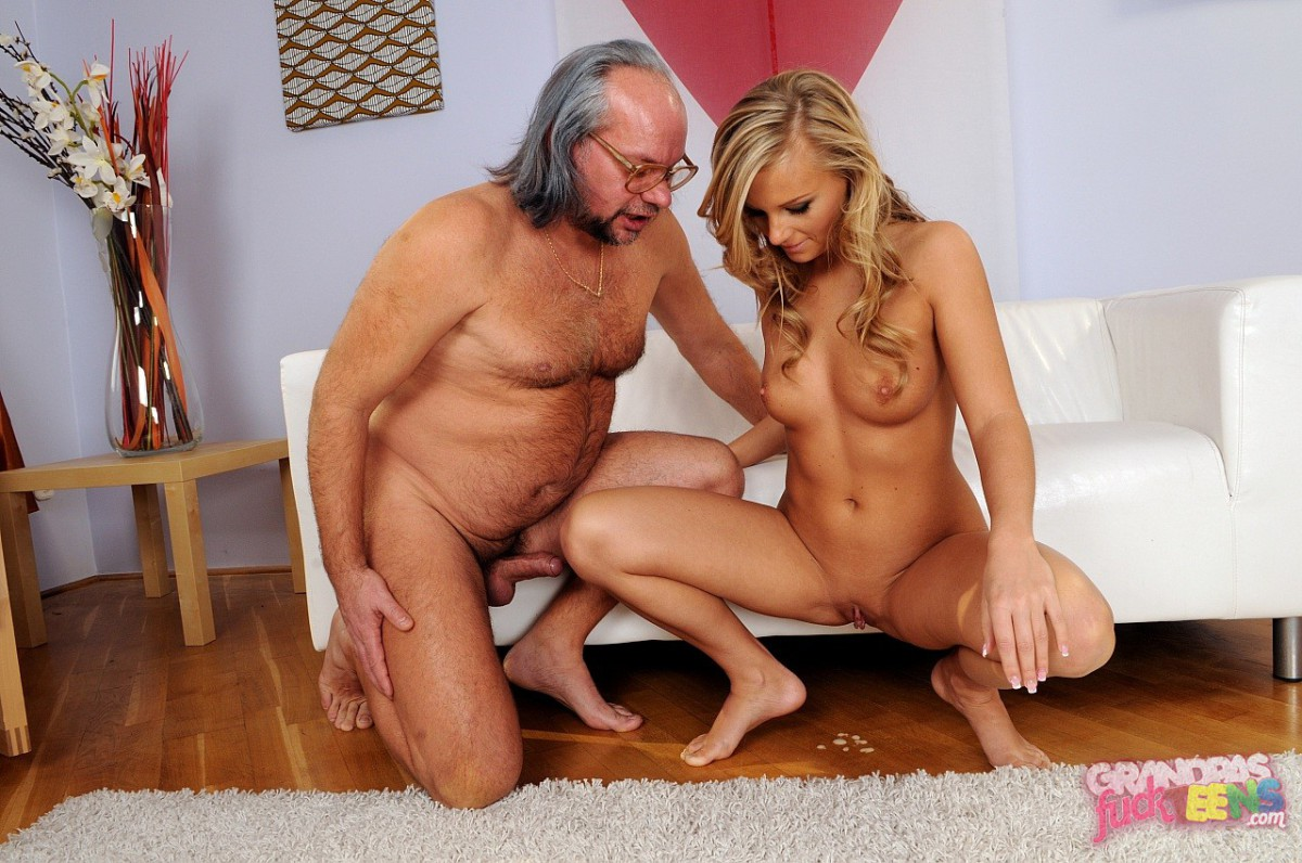 Nude blonde college girls fucking