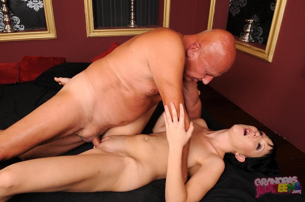 blonde milf porno