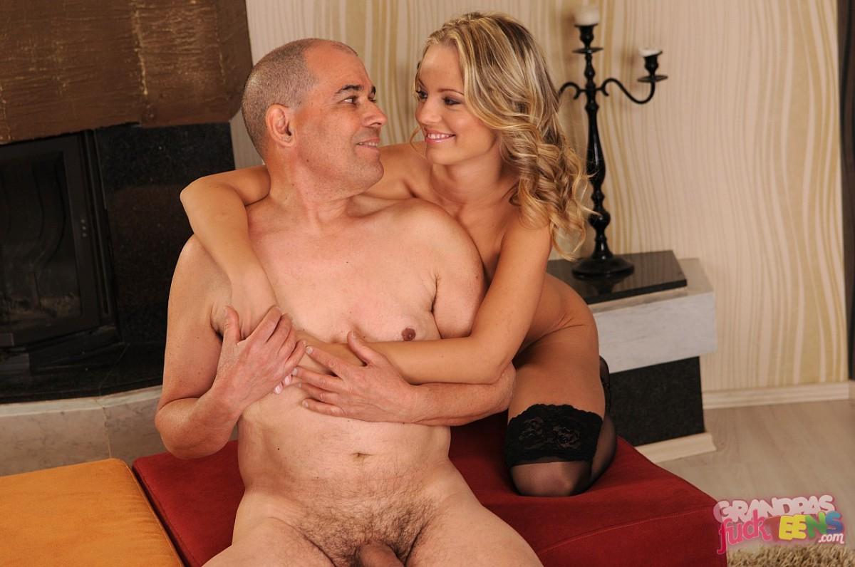 blondinka-i-starik-porno