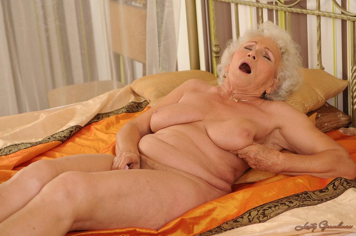Порно старуха 69