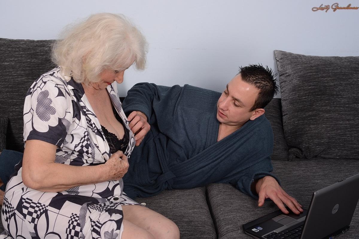 только фото пожилые соседки сосут молодым порно поможет сделать