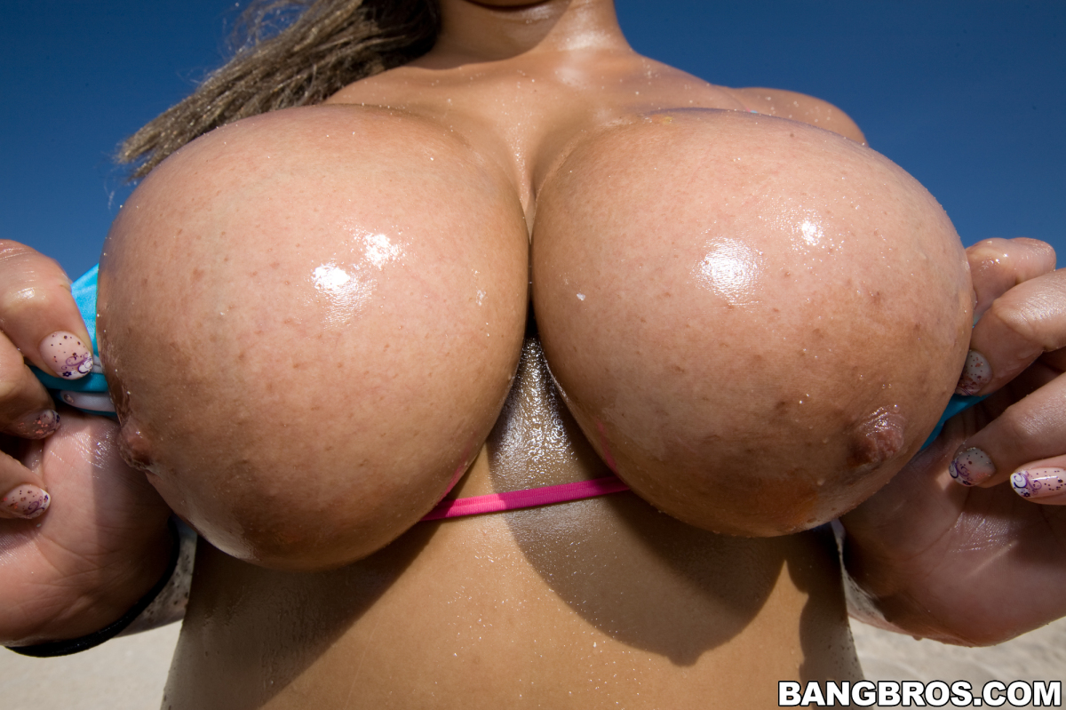 That luna big tits round asses free was