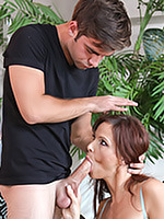 Go to The dazzling MILF Syren De Mer giving head Free Pictures Gallery