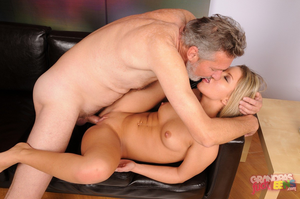 Find pictures of mature blowjobs